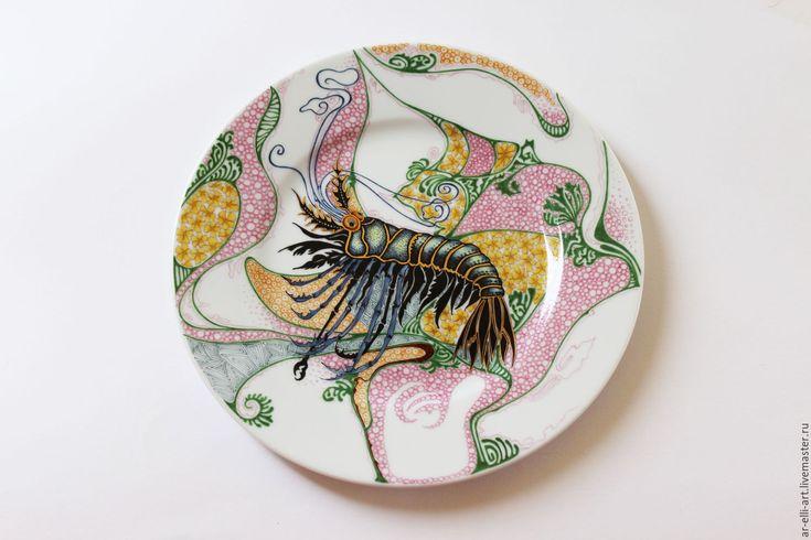 """Купить Фарфоровая декоративная тарелка """"Омар"""" - комбинированный, фарфоровая тарелка, тарелка с росписью, тарелка настенная"""