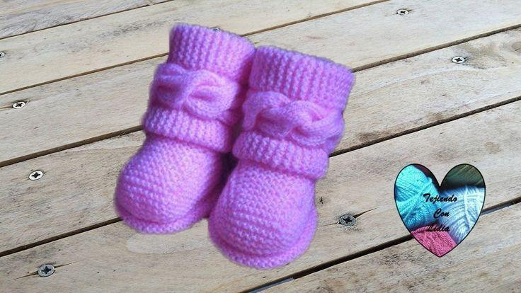 Dos agujas Botitas bebe Uggs parte 1/2 Patucos botas zapatitos bebe teji...