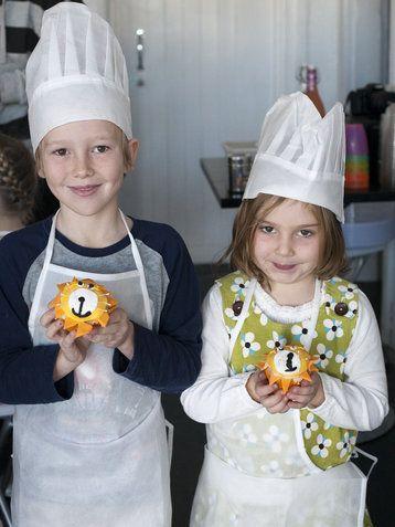 Stormie D's Cupcake Classes - lion fondant cupcakes-7
