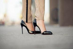 .Leather Pump, Cutout Leather, Chiarana 100, Design Clothing, 100 Cutout, Black Shoes, Christian Louboutin, Cut Out, Louboutin Chiarana