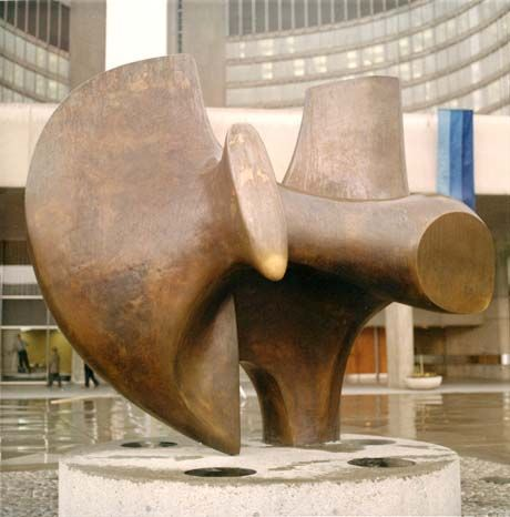 Henry Moore and the Challenge of Architecture  Three Way Piece No.2: Archer 1964-65 Three Way Piece No.2: Archer 1964-65 (LH 535) sited in Nathan Phillips Square, Toronto.  photo: The Henry Moore Foundation