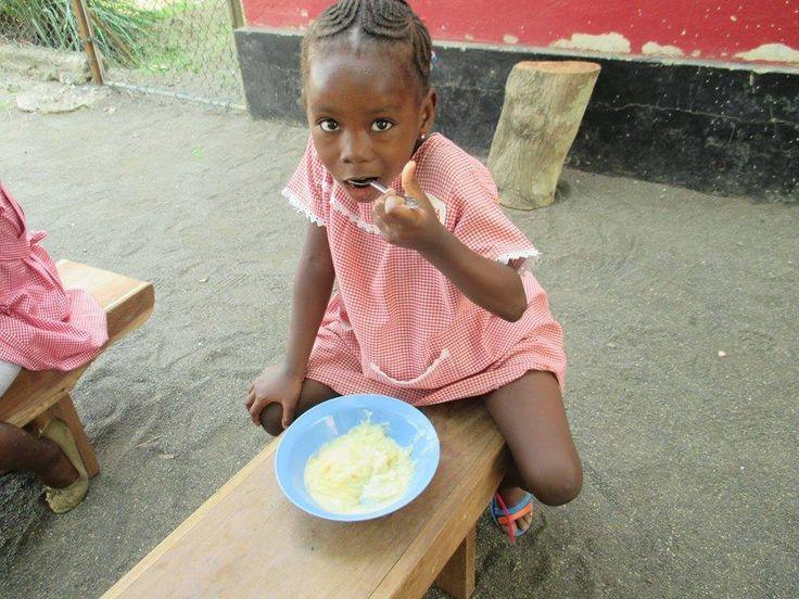 Per ogni Bambino ci vuole Cibo. Per ogni Bambino ci vuole Rispetto. Per ogni Bambino ci vuole Ascolto.  Rebecca ........per ogni bambino ci vuole amore!!!
