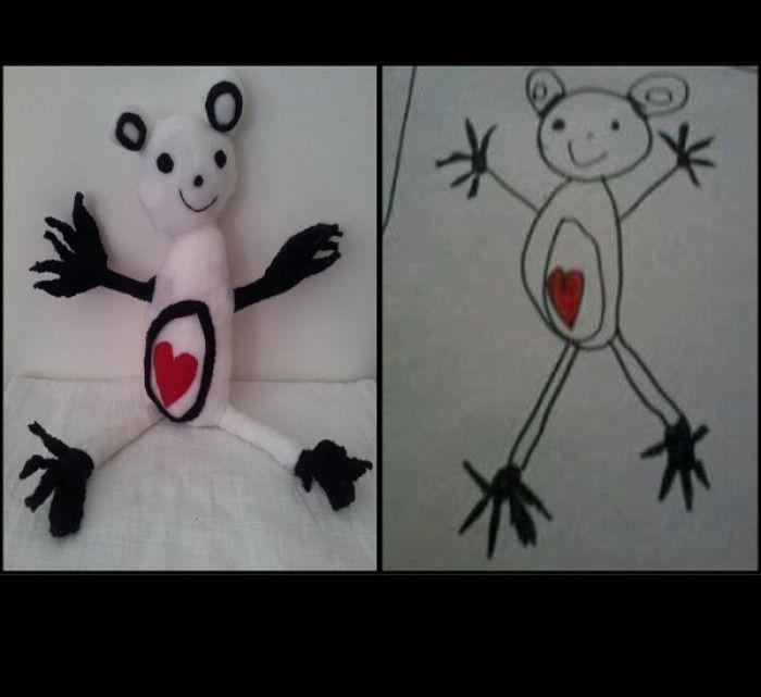 Dit zijn krabbelmaatjes. Deze maak ik voor 9,95 per stuk (excl verzendkosten) Dit zijn tekeningen gemaakt door kinderen en in de vorm van een knuffel nagemaakt, superleuk toch? Ieder kind wilt zijn/haar eigen held natuurlijk als knuffel! kijk even op Yvorida nl voor meer info!
