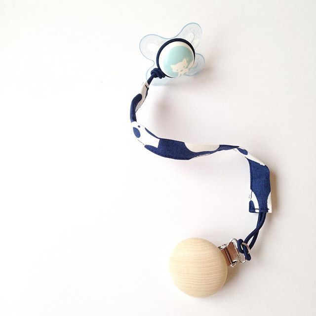 P R O B L E M S O L V E R • Well, not only the soother/pacifier but also the clip I sewed today. Because it drives me crazy to pick up the pacifier about 1000 times a day from the dirt. Before we had our little guy I thought some of the baby stuff is just a nice gimmick. But it turns out that the gimmicks are quite essential! We're still on a big learning curve...