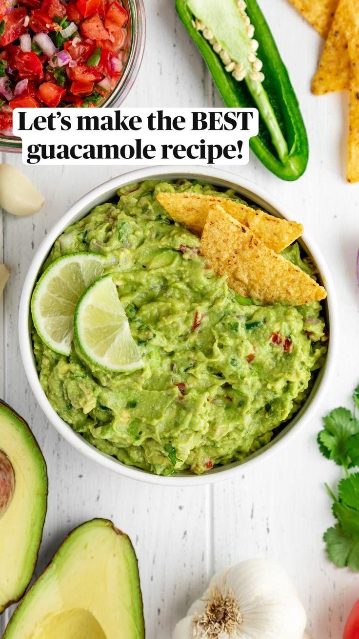 Guacamole Recipe Easy, How To Make Guacamole, Avocado Recipes, Homemade Guacamole Easy, Guacamole Salsa, Avocado Dip, Healthy Cooking, Healthy Snacks, Healthy Eating