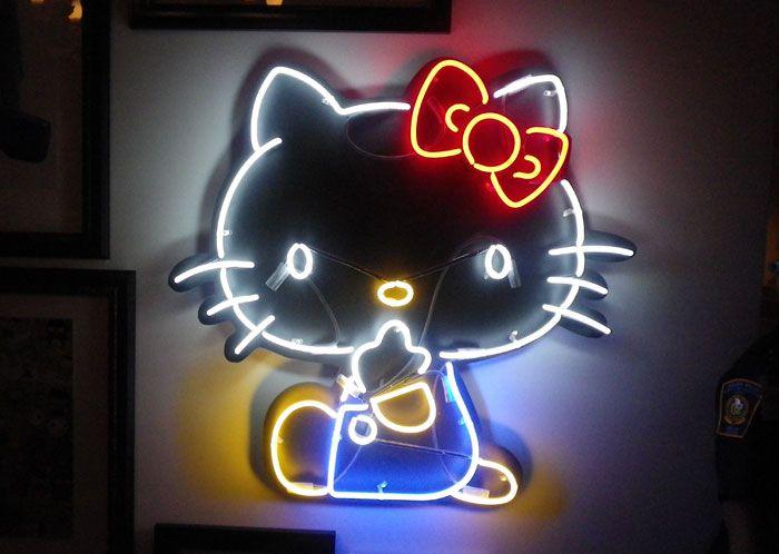 Hello Kitty in Neon