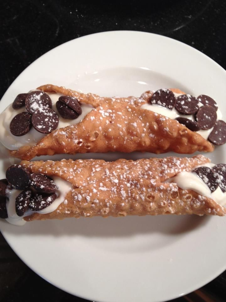 For the cannoli cream:    Ingredients:    16 oz of low fat ricotta cheese  3 tbl of granulated sugar  3 tbl of powdered sugar  1 tsp of vanilla extract  1 tsp of almond extract  1/4 c of chocolate chunks