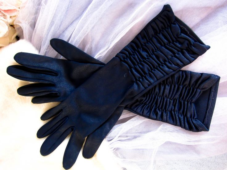 Vintage gloves, mid length gloves, navy gloves, evening gloves, vintage wedding gloves, rockabilly gloves, 1950s gloves, prom gloves, by thevintagemagpie01 on Etsy