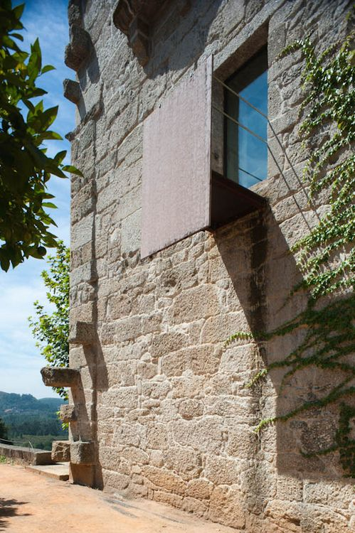 onsomething:    Souto de Moura | Conversion of the Santa Maria do Bouro Convent into a State Inn  (+)