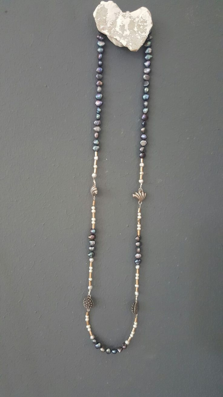 Pearl and silver handmade necklace by Met passion design