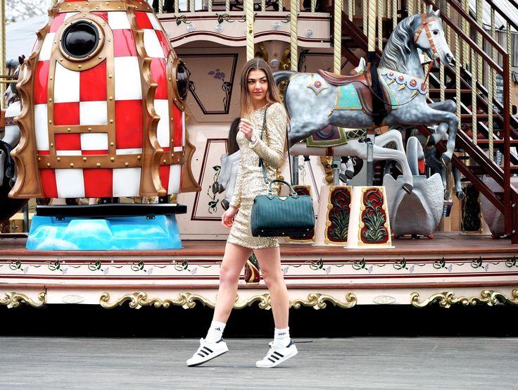 A merry-go-round Christmas! Maison Mollerus, Maje, Adidas Originals