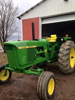 """JOHN DEERE 4020 - In 1969 this was our """"big"""" tractor.  We also had 2 IH 400 and an IH H.  With these 4 tractors we  farmed over 1500 acres.  TAO"""