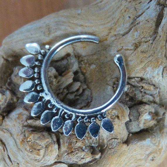 Fake Nose Ring - Faux Nose Ring - Fake Nose Hoop - Faux Nose Hoop - Fake Piercing - Faux Piercing - Fake Nose Piercing - Nose Jewelry  Beuatiful sterling silver fake nose ring.  Inner diameter - 8mm $14