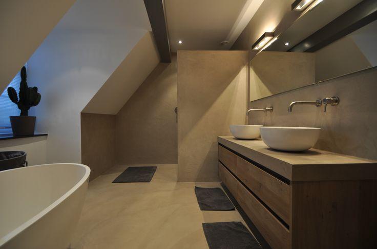 25 beste idee n over badkamer kleuren op pinterest badkamer muur kleuren badkamer verf - Rustieke badkamer meubels ...