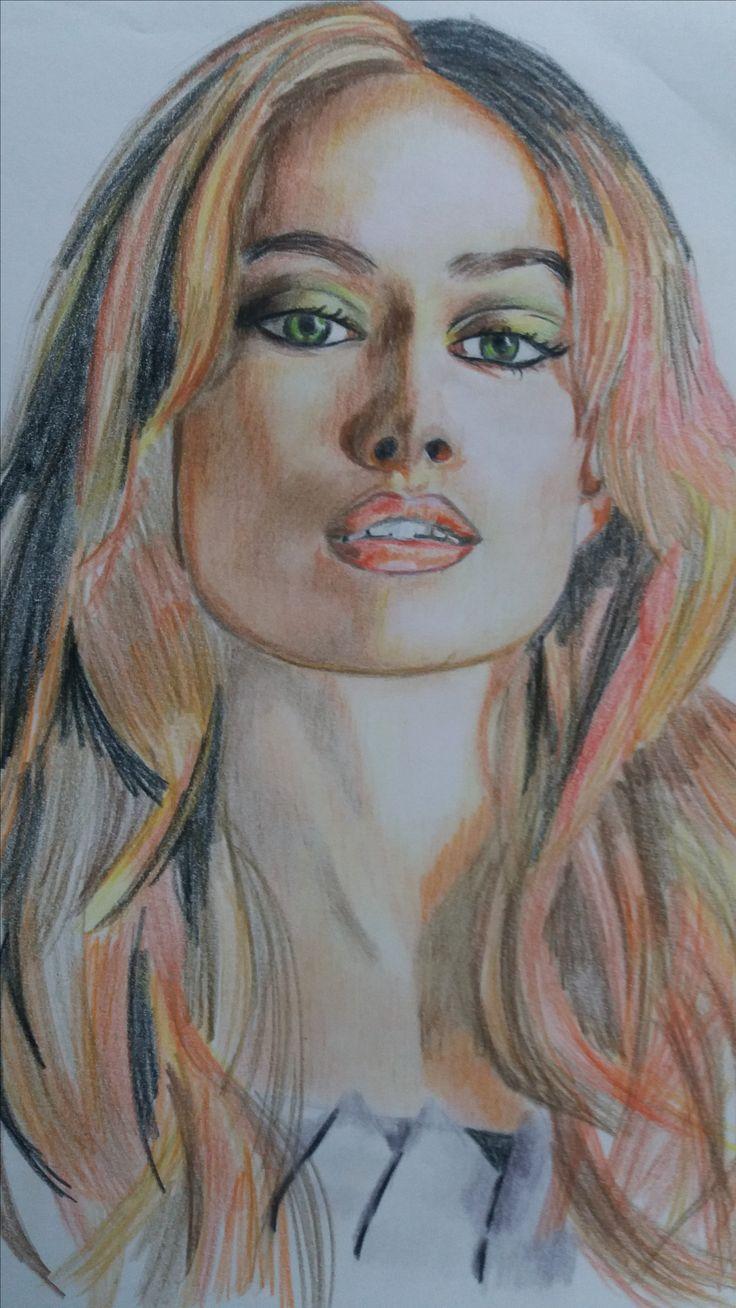 Retrato realizado a lapicero de color por Alicia Ruiz