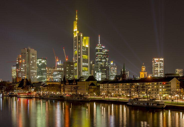https://flic.kr/p/dsa9UA | Frankfurt at night | Skyline Frankfurt