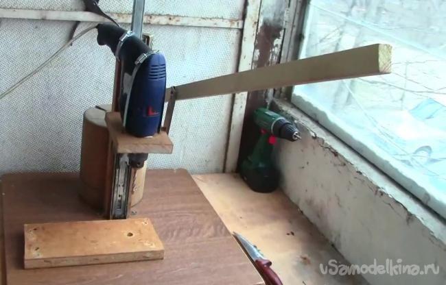 Делаем сверлильный станок из дрели