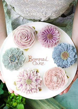 More buttercream flowers
