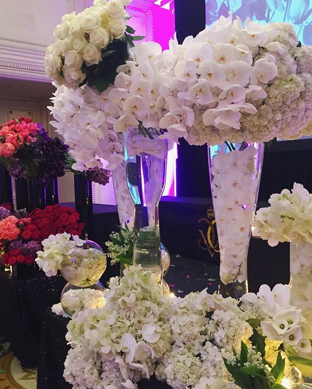 Absolutely stunning #flowerclass by @jeffleatham last night! @fsparis