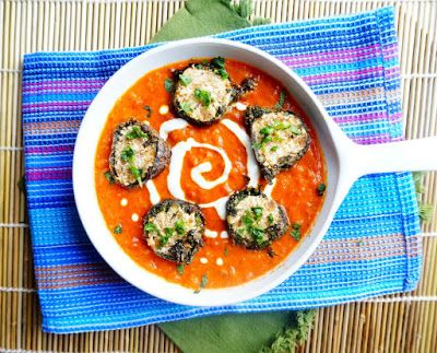Shaam Savera is cottage cheese stuffed kofta coated with spinach and dunked in tomato based red gravy. It is creamy and delicious curry dish which goes great with all Indian flatbread specially with naan. #shaamsavera #vegetarian #indian #recipes