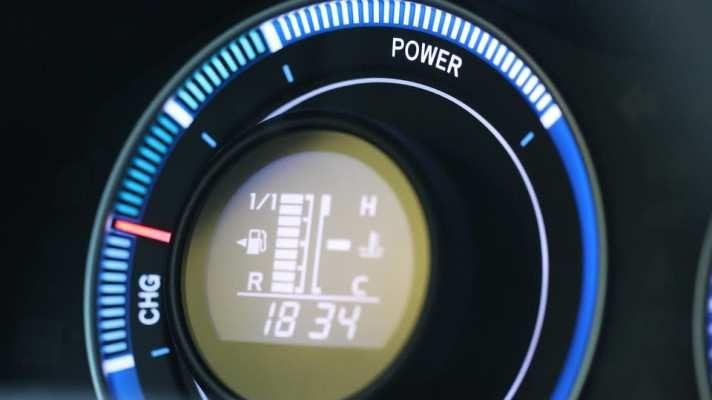 Prodej hybridů v Česku se letos zdvojnásobil na 2590 aut #elektroauta #hybridy #auto