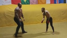El peleador irlandés se muestra agresivo y confiado para la pelea del próximo 26 de agosto