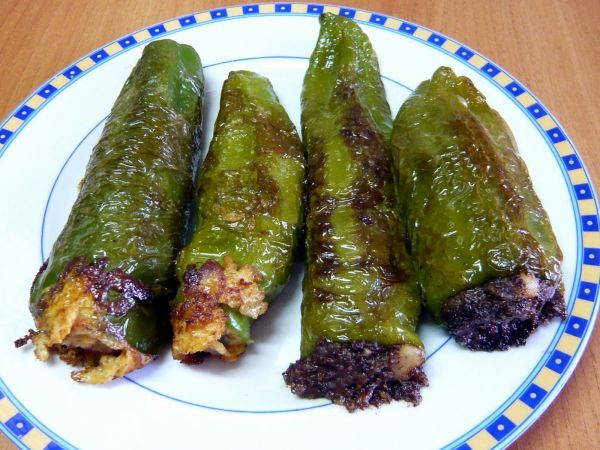 Receta Pimientos verdes 2 rellenos (morcilla y pera y revuelto de champis, puerro y gambas), para Willyviajera - Petitchef