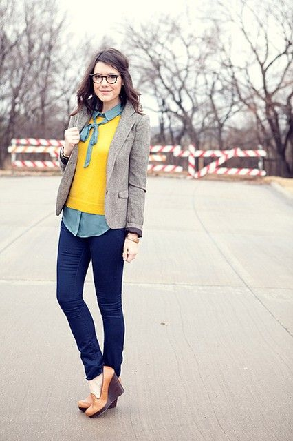 Cute Yellow shirt and bluejeans :) SUPER Geek Chic