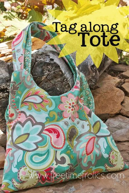 Tag Along Tote Bag Tutorial via Free Time Frolics #tutorial #totebag #sewing