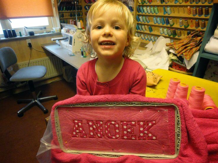 Pipa Greenström      Hobby handwerk uut de Noordkop: Anoek maakte haar eigen badhanddoek