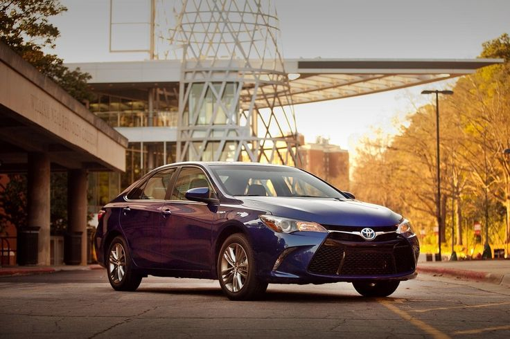 Toyota Camry Hybrid: comfortable, safe and sweetly refined
