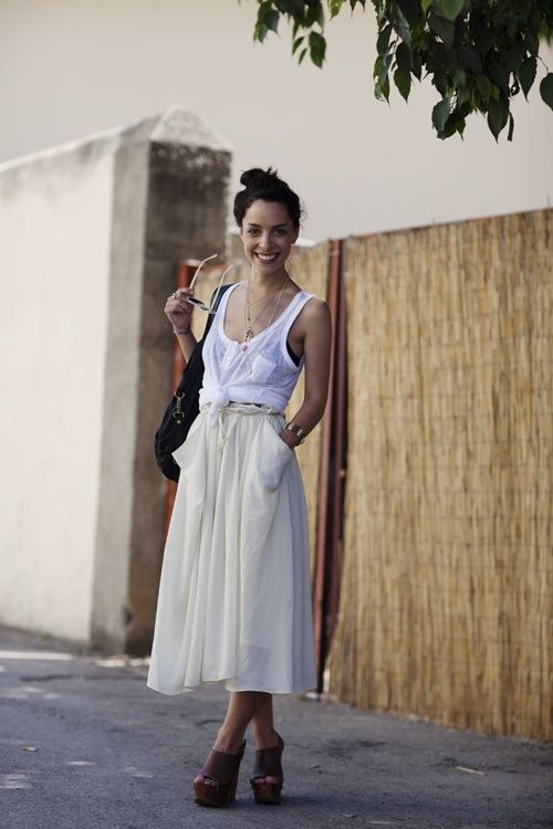 """The ultimate """"look like you didn't even try to look great"""" summer outfit. Tea length is the new maxi."""