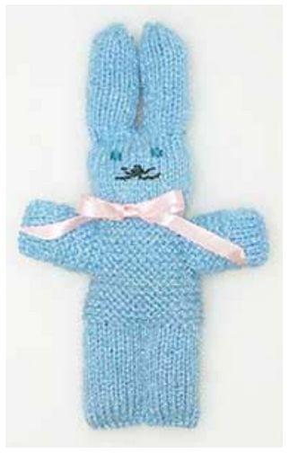 """Voici un petit lapin qui fera la joie d'un enfant. Il m'a été demandé plusieurs fois le patron qu'utilisait Odette pour ses toutous et à chaque fois, elle me répondait, """"je suis tellement habitué que je les fais par coeur, je ne sais pas comment les expliquer"""",..."""