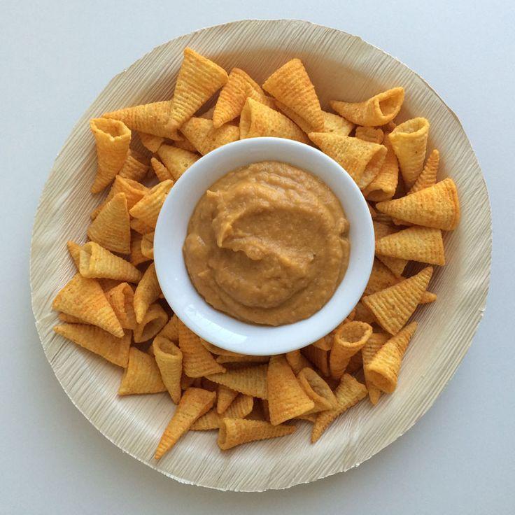 Vegas Kaas Dip van Wat eet je dan wel?  Suzanne van Weet eet je dan wel? heeft een veganistische vultip bedacht. Klik op de afbeelding om naar het recept te gaan!