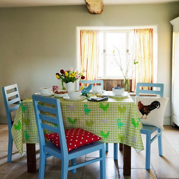 Light and Airy Dining Room Furniture with fresh Tablecloth