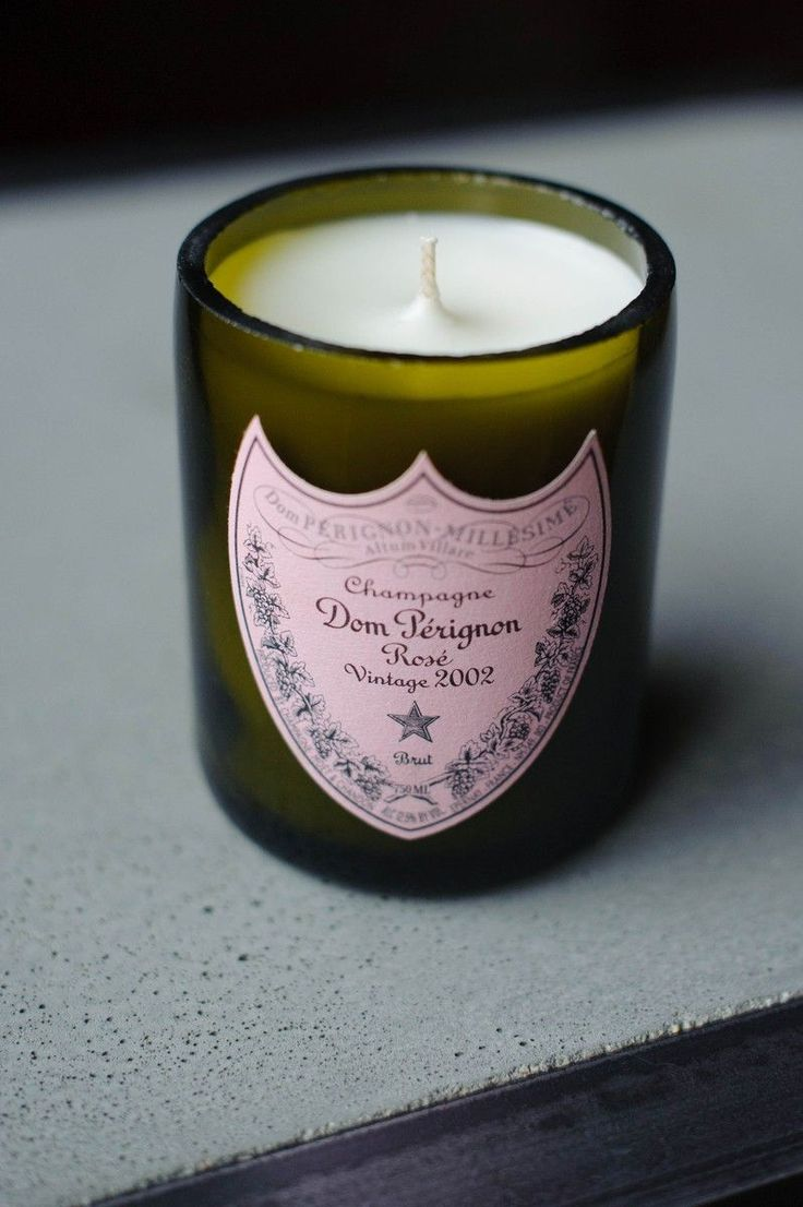 Love the petal pink label on this candle.