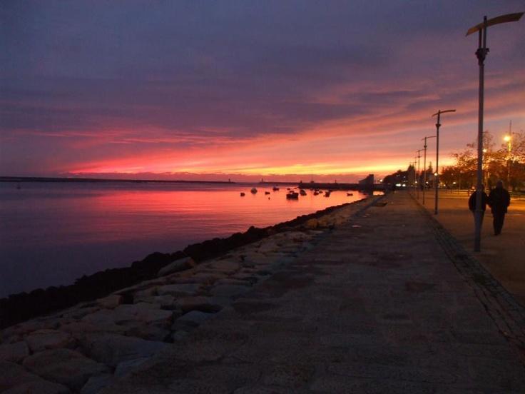The perfect sunset @ Porto   http://www.facebook.com/oportocity