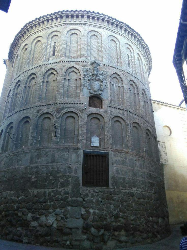 Ábside de la antigua iglesia de San Vicente, hoy es el Circulo del Artes