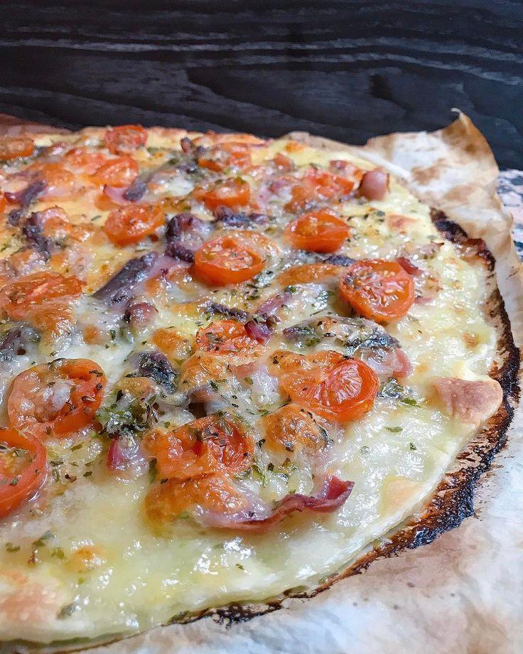 P i z z a N i g h t   Hacer pizza casera siempre es un buen plan. Alguien se apunta? Buenas noches!  . . #pizzanight #pizzalovers #pizzahomemade #anacocinitas #top_food_of_instagram #foodgawker #thekitchn #sosavory #eater #vscofashionfood #hereismyfood #yahoofood#EEEEATS #feedyoursoull #foodloverheaven1 #beautifulcuisines #tastespotting #chefsroll #tastingtable #foodwinewomen #RSLove #hallazgosemanal #spoonfeed #vsco_food #foodwinewomen #foodstyling #foodvsco #feedfeed #f52grams #food52…