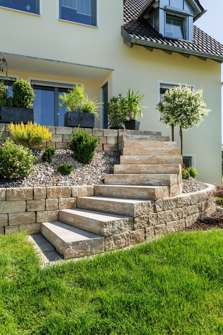 Escalier de jardin en pierre naturelle sans balustrade