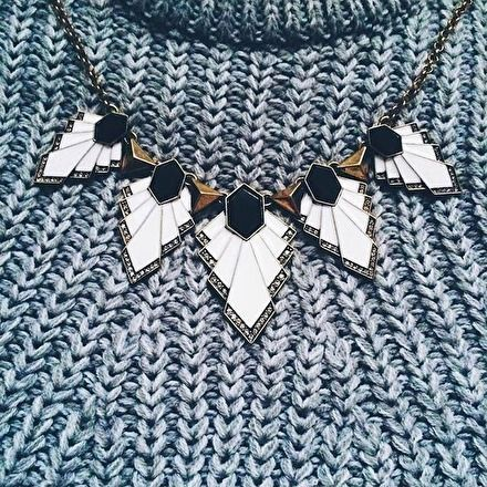 Triangle Geometric Statement Necklace #sweater #warm - 19,90 € @happinessboutique.com