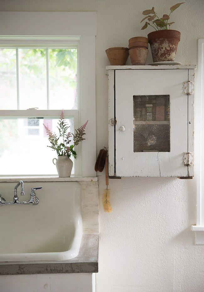 Vintage Whites Blog: Kitchen Update Reveal