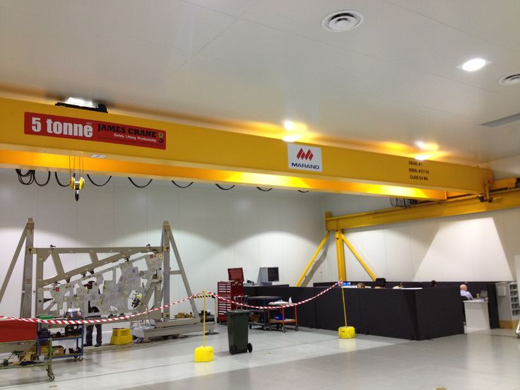 Single girder overhead crane by James Crane  Strong, reliable and economical