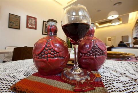 Beirutis develop taste for armenian pomegranate wine for Armenian cuisine history