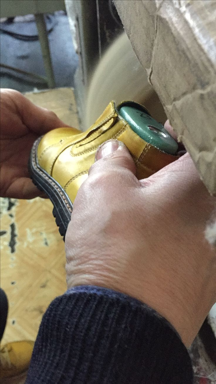 Shoe fanatics love HUGOTTI Made by Hand for its rich ITALIAN leather ankle boots, moccasins, and boat shoes, which possess the sort of worn-in personality and well-loved comfort that usually takes years for shoes to achieve.  SINCE 1992  Hugotti!  written by passion.