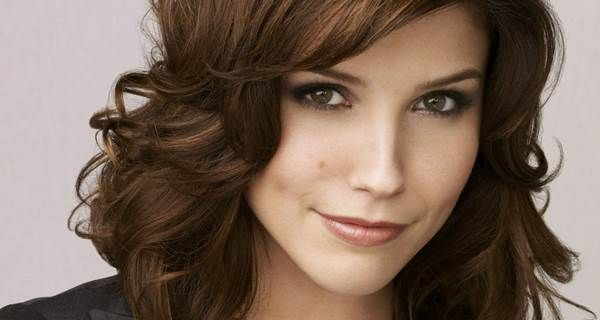 10 Reasons Brooke Davis Was The Best Female Character On 'One Tree Hill' #brooke #brookedavis #brookedavisbaker #onetreehill #treehill #protective #friends #loving #bodylove #loveflaws #female #characters #odyssey