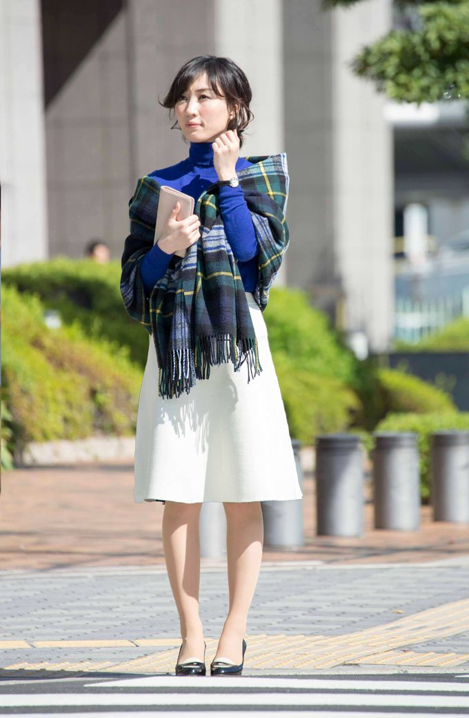 ブルー×ホワイト×グリーンの3色使いのお仕事コーデ #タートルネックニット #knit #coordinate