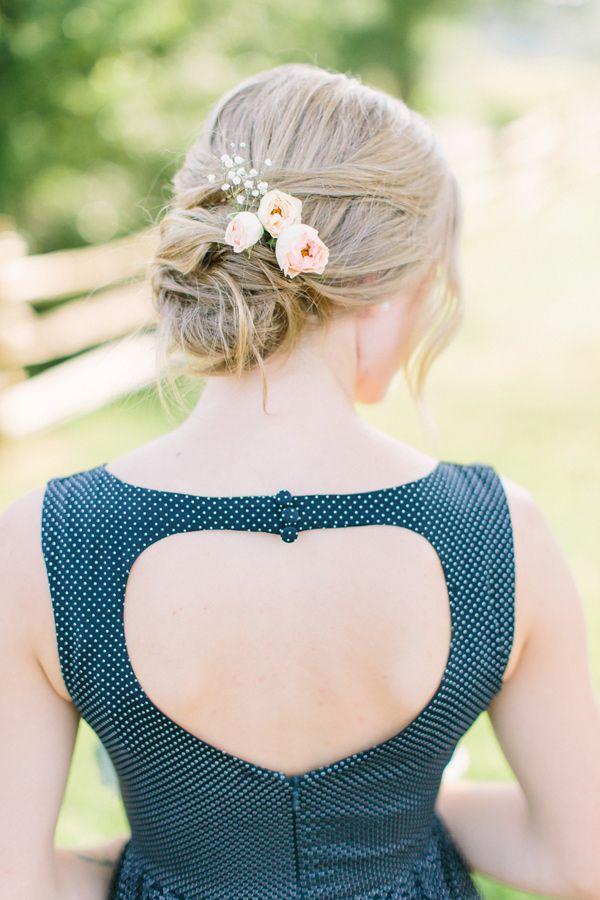 fresh flowers in your hair - photo by http://www.whenhefoundher.com/ - http://ruffledblog.com/brooklands-farm-wedding/