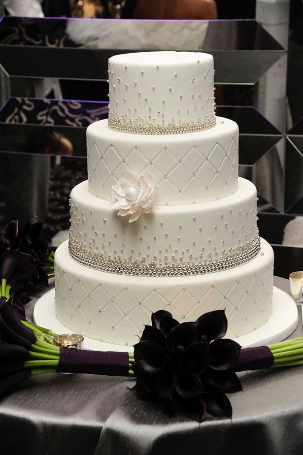 glamorous-modern-wedding-cake - Belle The Magazine