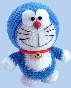 """Patrón amigurumi del famoso personaje de la serie Doraemon. Tejiendo este Robot-gato azul """"Doraemon"""" tu también vivirás aventuras gracias a los extraordinarios inventos que saca de su bolsillo mágico. Patrón gratis de Doraemon"""